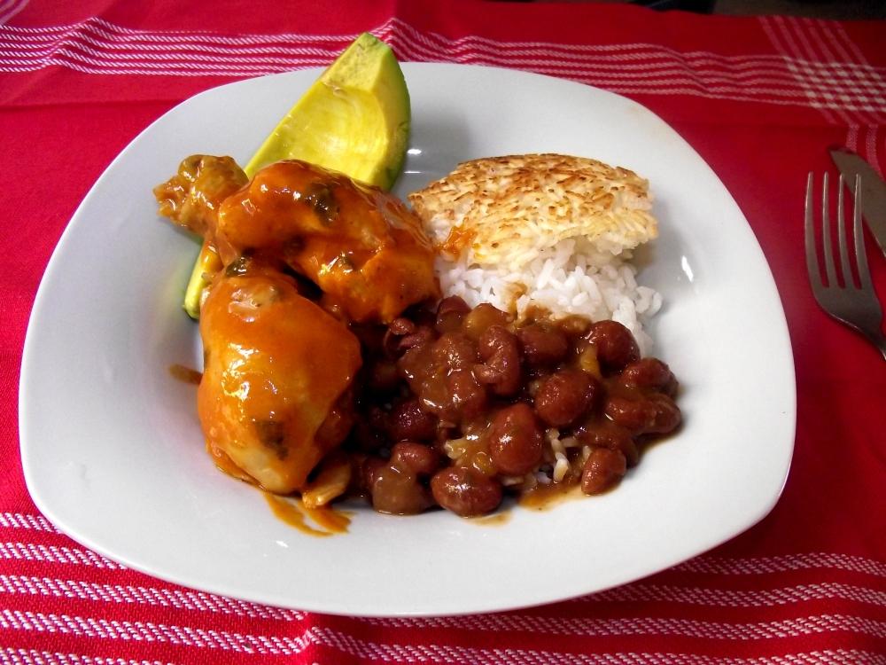Stewed chicken. Santo Domingo Style! (2/5)