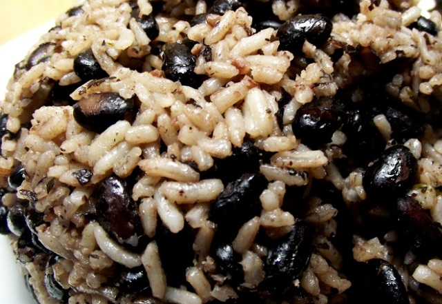Black bean rice (congrí)
