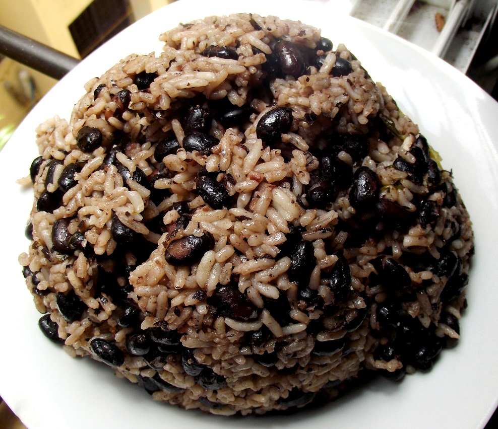 Black bean rice! (Congrí) | Dominican Heat